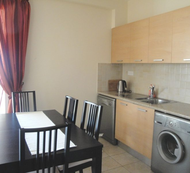 Cozy 3-Bedroom Apartment for sale in Limassol image 5
