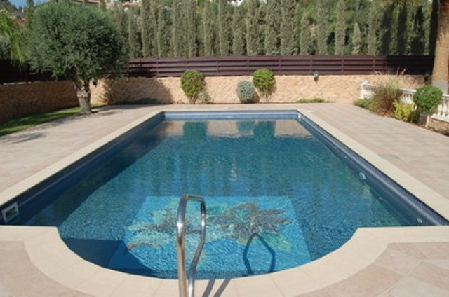 Luxury 5 Bedroom Villa with Garden and Swimming Pool in Agios Tychonas, Cyprus, CM6922 image 3