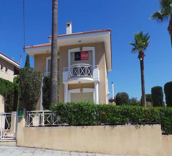 Limassol Property House in Mouttagiaka Area for sale in Mouttagiaka AE12913 image 2