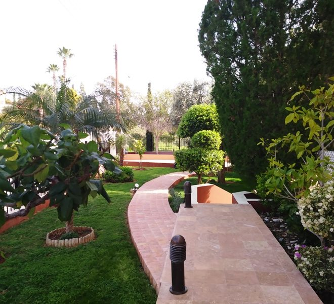 Spacious 6-Bedroom Villa for sale in Limassol image 2