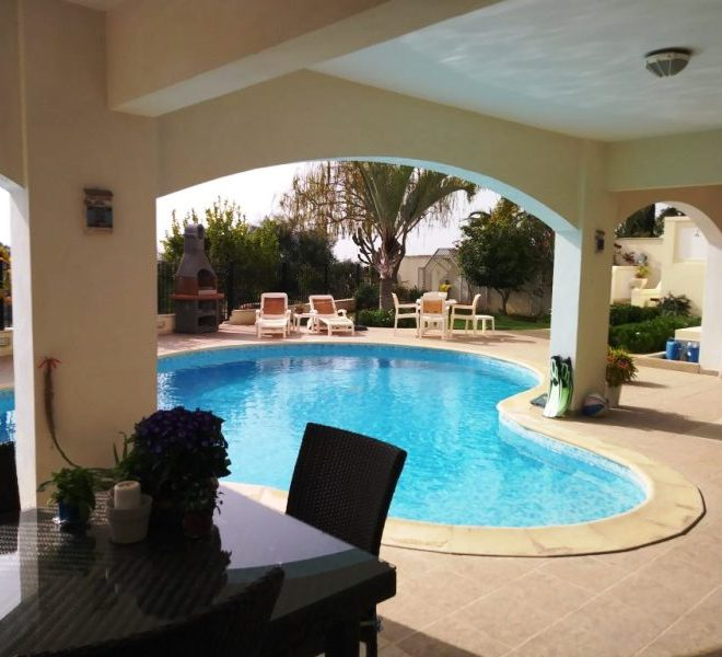 Spacious 6-Bedroom Villa for sale in Limassol image 1