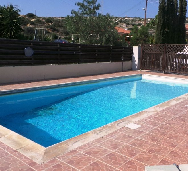 Spacious 3-Bedroom Bungalow for sale in Limassol AE12462 image 2