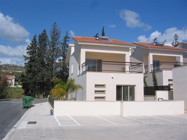 4 Bedroom Villa with Swimming Pool for sale in Limassol CM6817 image 1