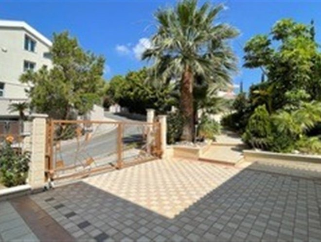 Limassol Property Exclusive Villa With Spectacular Views in Agios Tychon, Cyprus, AM13138 image 3