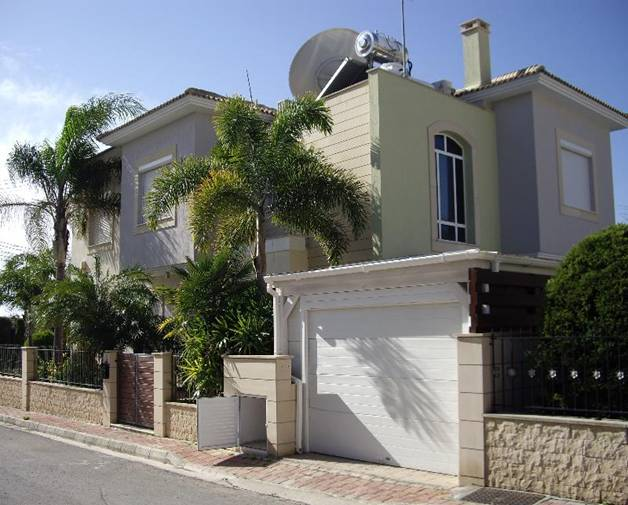 4 Bedroom Villa with Private Swimming Pool in Armenochori, Cyprus, CM7131 image 1