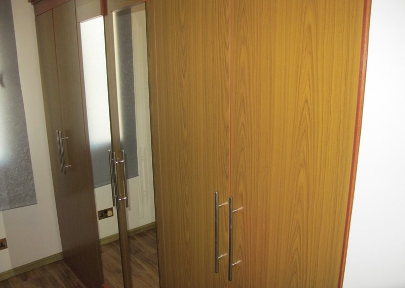 42.WALK IN WARDROBES IN MASTER BEDROOM (2)