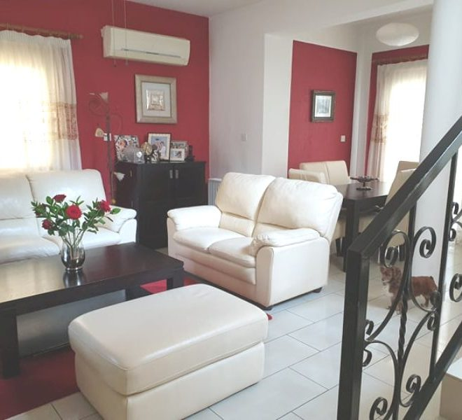 Well- Maintained 3-Bedroom House in Pafos, Cyprus, MK12009 image 1