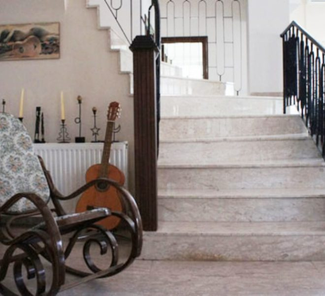 Large 5-Bedroom House for sale in Nicosia image 4