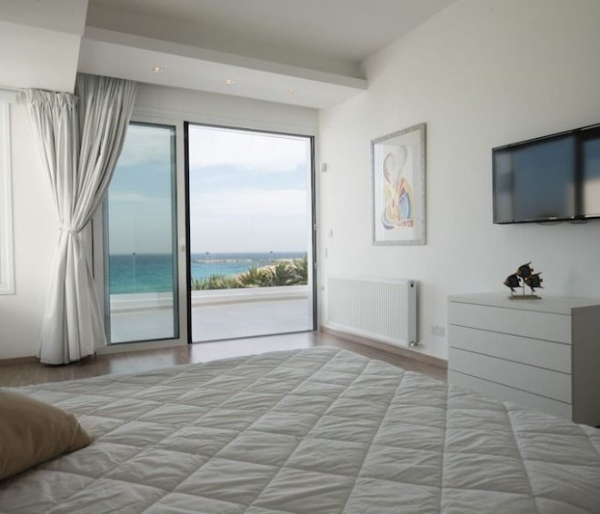 Luxury 6 Bedroom Villa on the Seafront for sale in Protaras image 5