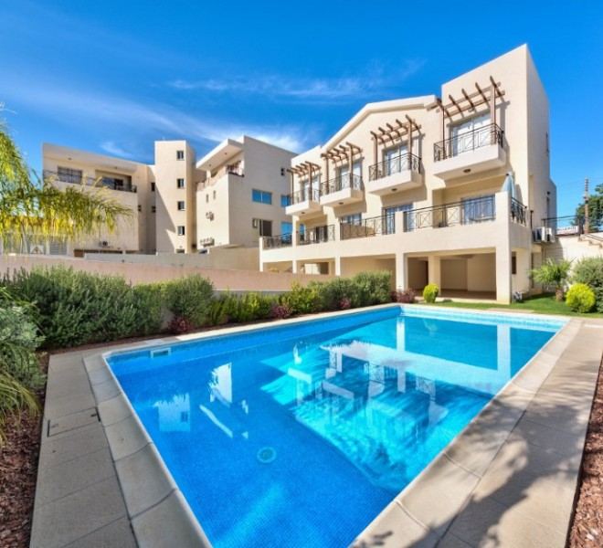 Cozy 3 Bedroom Semidetached House near the Sea for sale in Pyrgos PX8301 image 1