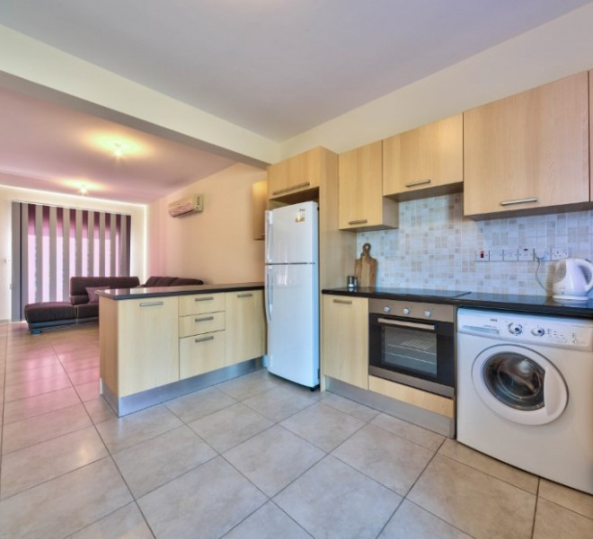 Cozy 3 Bedroom Semidetached House near the Sea for sale in Pyrgos PX8301 image 3