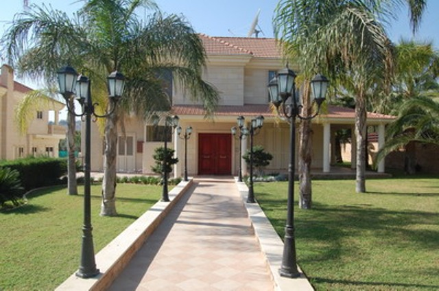 Luxury 5 Bedroom Villa with Garden and Swimming Pool in Agios Tychonas, Cyprus, CM6922 image 1