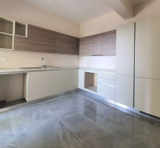 3-Bedroom Apartment with Garden for sale in Limassol image 3
