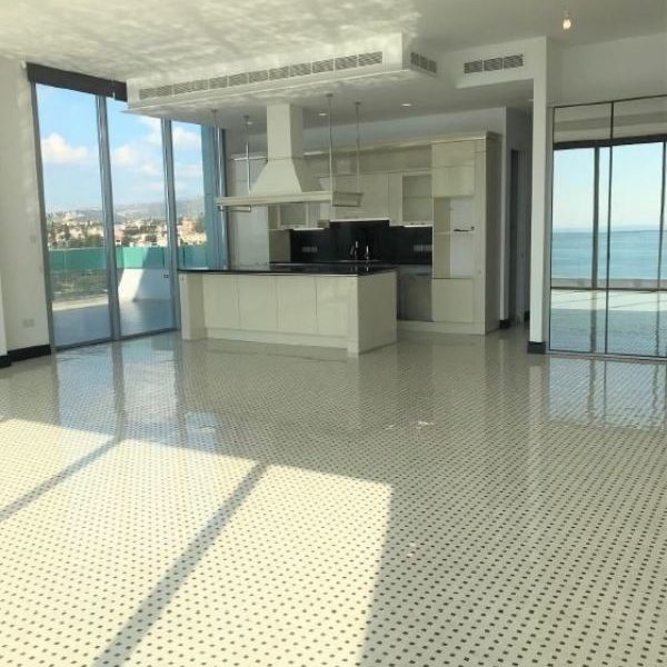 4-Bedroom Duplex Penthouse for sale in Limassol image 3