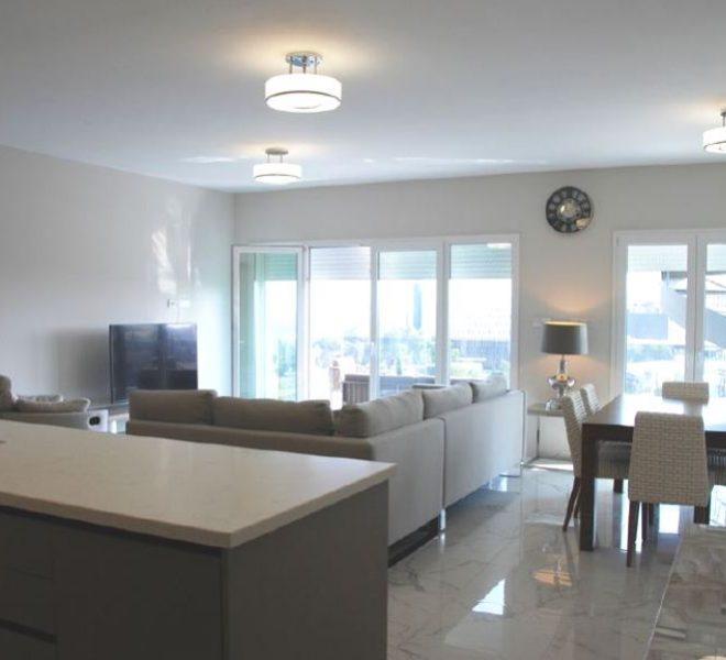 Spacious 4-Bedroom Apartment for sale in Limassol image 2