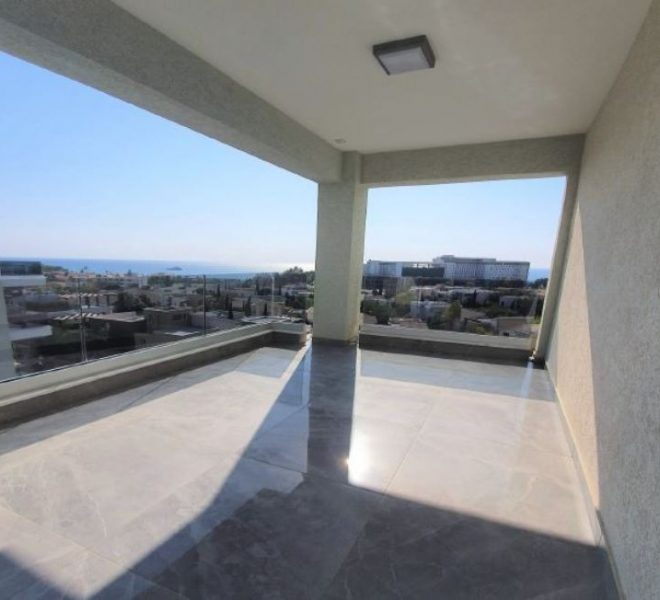 3-Bedroom Apartment with Garden for sale in Limassol image 4