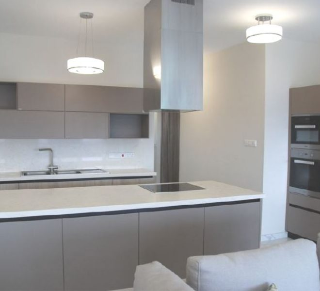 Spacious 4-Bedroom Apartment for sale in Limassol image 3