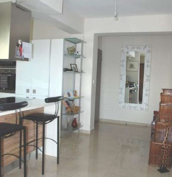 Spacious 4-Bedroom Apartment for sale in Limassol image 4