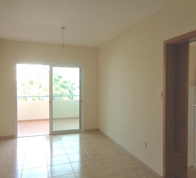 Spacious 2-Bedroom Apartment for sale in Larnaca image 2