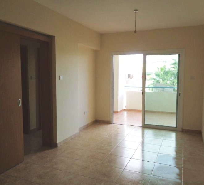 Spacious 2-Bedroom Apartment for sale in Larnaca image 3