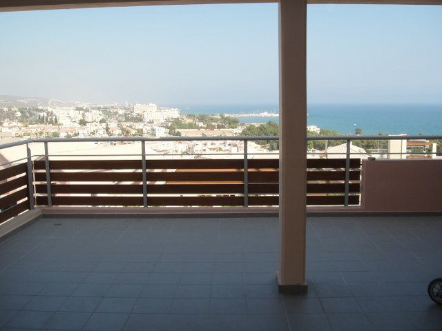 Luxury 2 Bedroom Apartment in the Complex with the Swimming pool in Agios Tychonas, Cyprus, MK7297 image 3