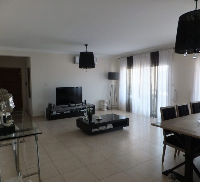 Limassol Property Attractive Spacious Three Bedroom Apartment Located in Neapolis in Neapolis, Limassol, Cyprus, AE12818 image 1