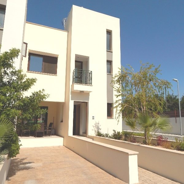 Nice 3-Bedroom Townhouse for sale in Limassol image 2