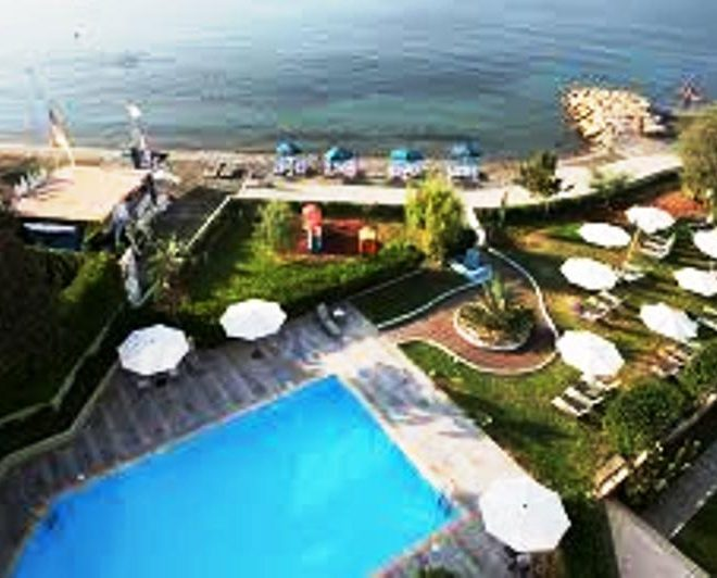 Limassol Property Luxurious Three Bedroom Beach Front Apartment in Limassol, Cyprus, AE12678 image 2