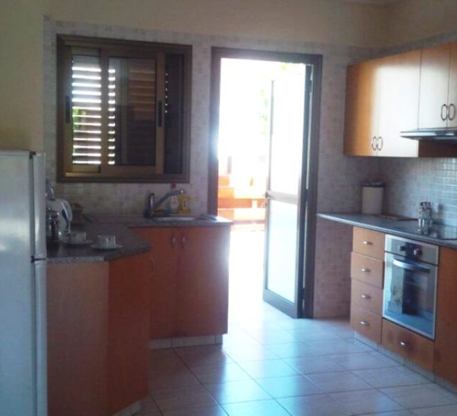 Ground Floor Apartment for sale in Paphos image 3