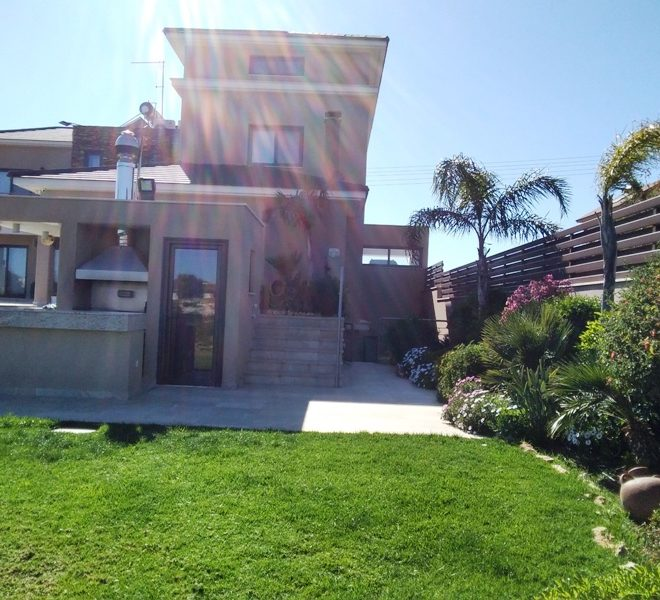 Luxury 3-Bedroom House for sale in Limassol image 1