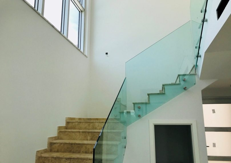 Inter staircase
