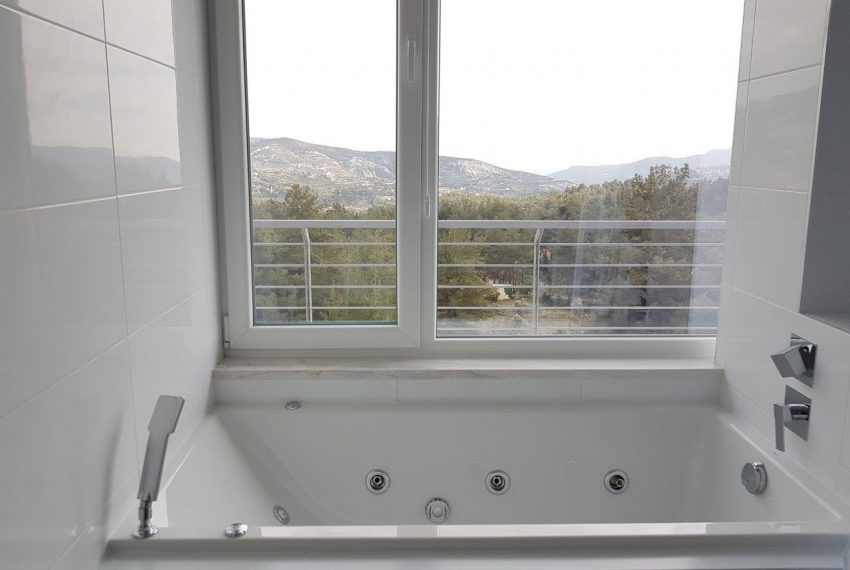 Jacuzzi with View (002)
