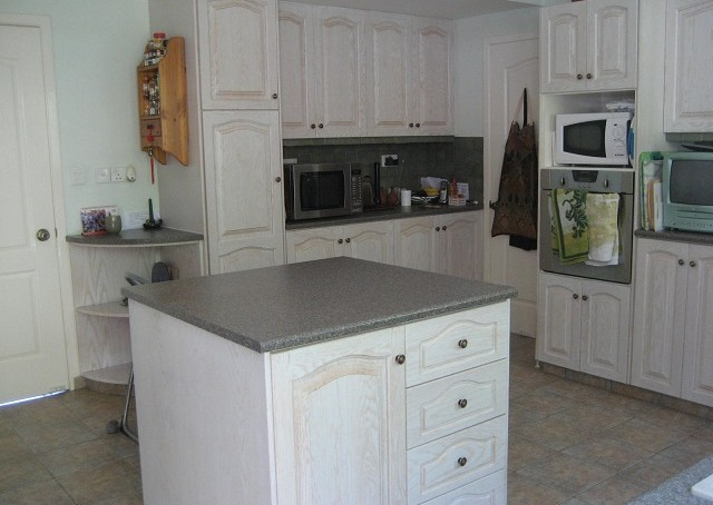 KITCHEN-FROM-BACK-DOOR-640x454