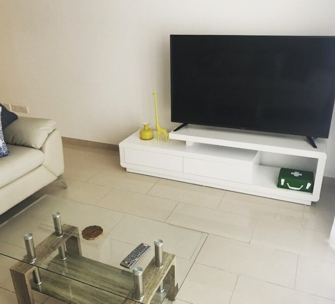 Cozy 2-Bedroom Apartment for sale in Limassol image 5