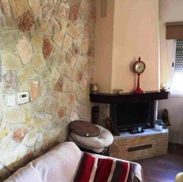 Spacious 5-Bedroom House for sale in Limassol image 5