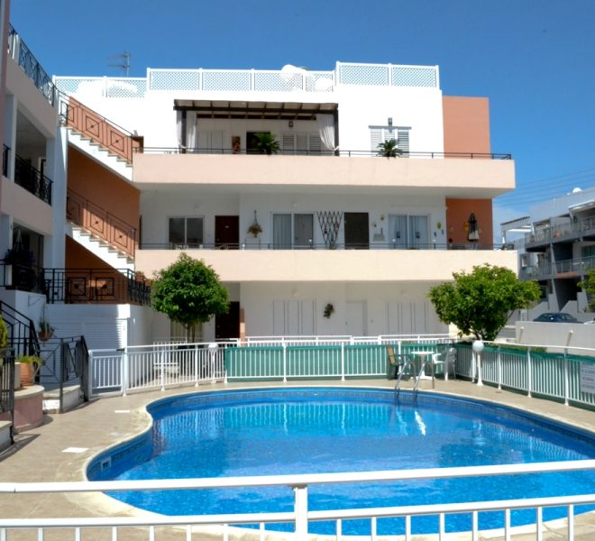 Spacious 3-Bedroom Penthouse for sale in Paphos image 1