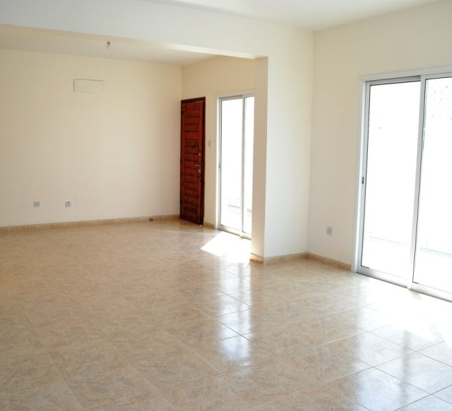 Spacious 3-Bedroom Penthouse for sale in Paphos image 2