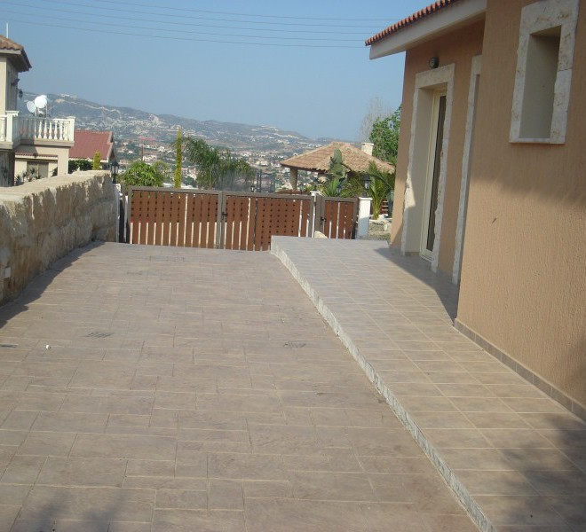 New 3 Bedroom House With Garden for sale in Pareklisia SR6654 image 3